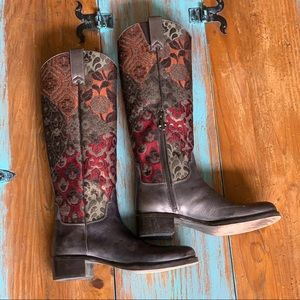 DONALD J PLINER Western Couture Collection Boot.